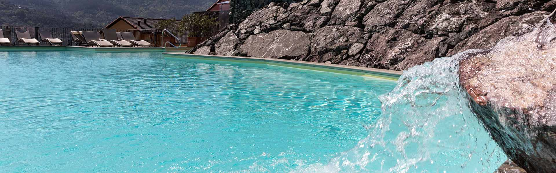 The swimming pool and whirlpool of Park Hotel Argento Resort SPA Levanto